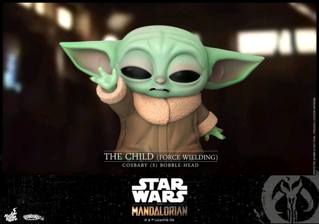 Star Wars: The Mandalorian - The Child (Force Wielding) - Cosbaby Figure