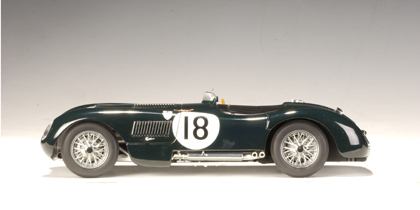 AUTOart 1:18 Jaguar C-Type Winner 1953 #18 (Racing Green) Diecast Model image