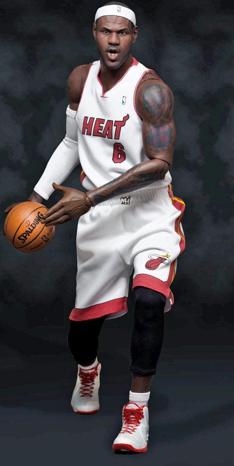9c4e67596 ... NBA LeBron James Heat 6 Real Masterpiece Action Figure image