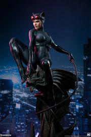 "DC Comics: Catwoman - 22"" Premium Format Figure"