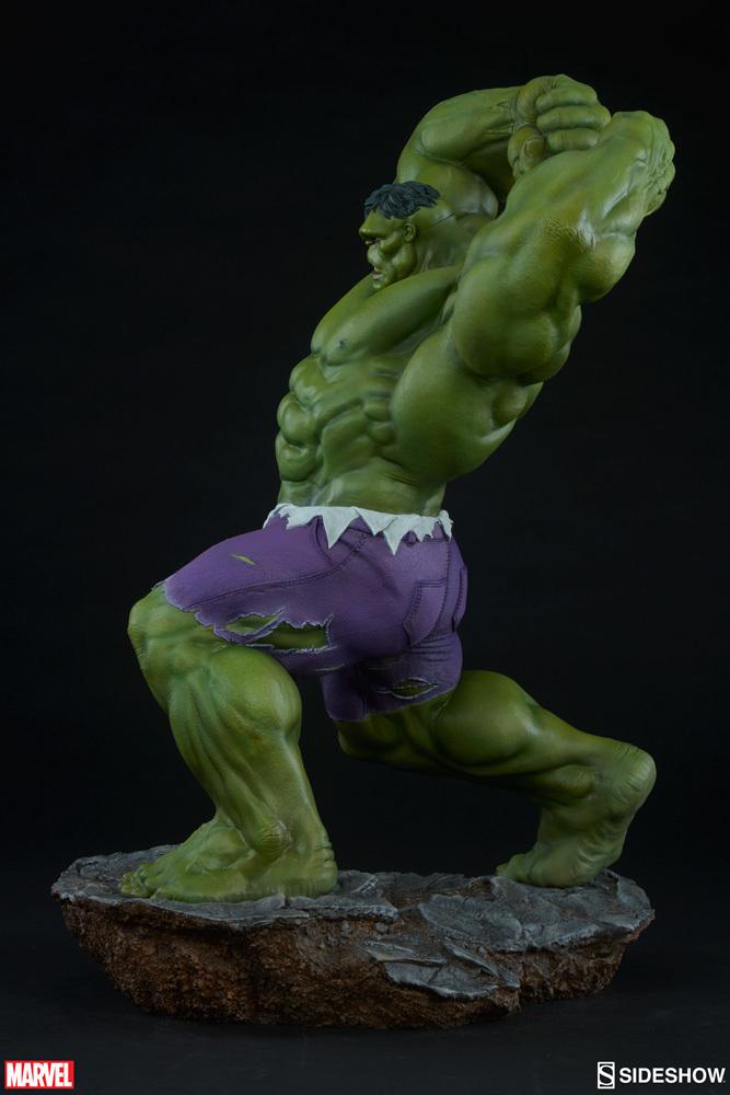 "Marvel: Hulk - Avengers Assemble 24"" Statue image"