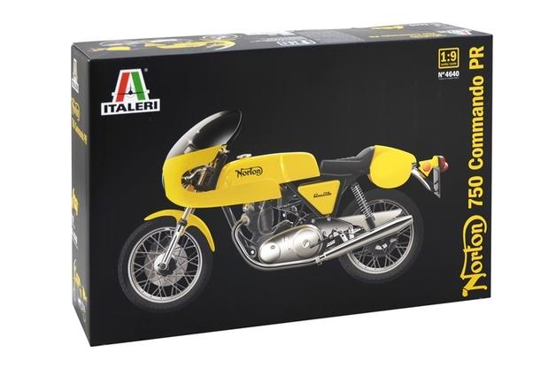 Italeri: 1:9 Norton 750 Commando Model Kit