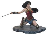 Justice League (Movie) - Wonder Woman - PVC Gallery Diorama