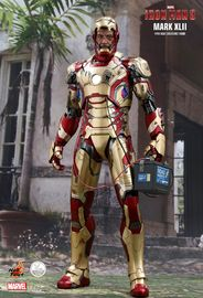Marvel: Iron Man (Mark XLII) - 1:4 Scale Articulated Figure