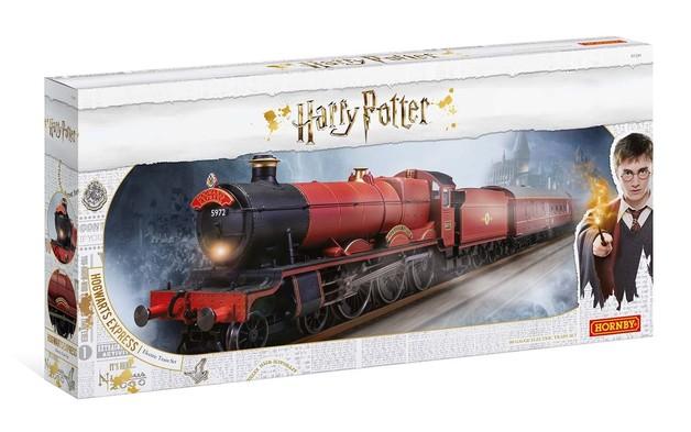 Hornby: Harry Potter Hogwarts Express Train Set