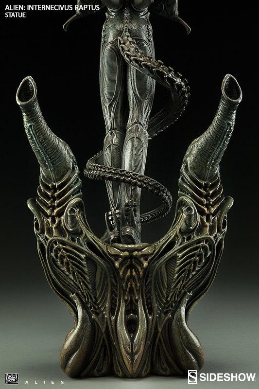Alien - Xenomorph Internecivus Raptus Statue image