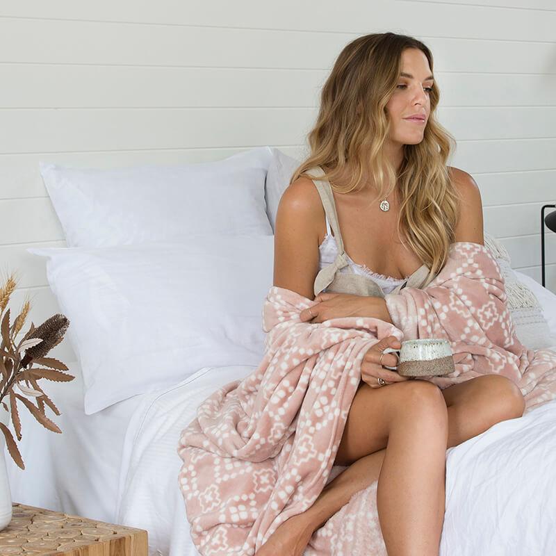 Bambury Single/Double Chiquita Ultraplush Blanket (Rosewater) image