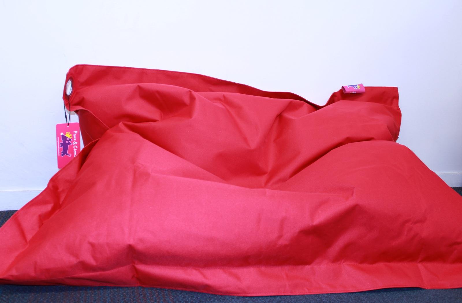 Pawz N Clawz: Large Red Pet Bean Bag (97x122cm) image