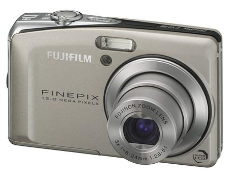 FUJIFILM FINEPIX F50FD DIGITAL CAMERA SILVER image