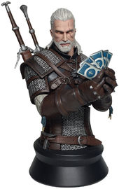 The Witcher 3: Geralt Playing Gwent - Mini Bust