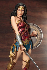 DC Comics: 1/6 Wonder Woman - Artfx+ Figure Set