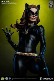 Batman 1966 - Catwoman Premium Format Figure