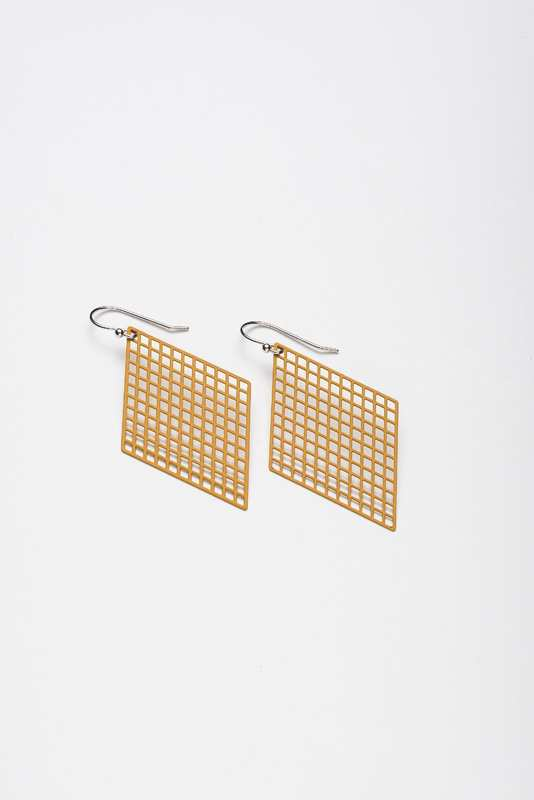 Stilen: Kite Mustard earrings