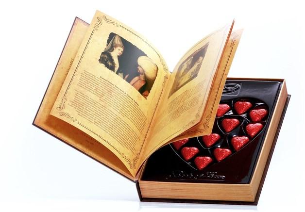Bind Chocolates: Book of Love (225g)