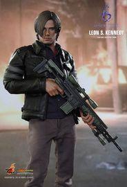 "Resident Evil: Leon S Kennedy - 12"" Action Figure"