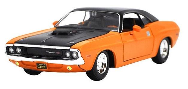 Maisto Design: 1:25 Diecast Vehicle - 1970 Dodge Challenger R/T