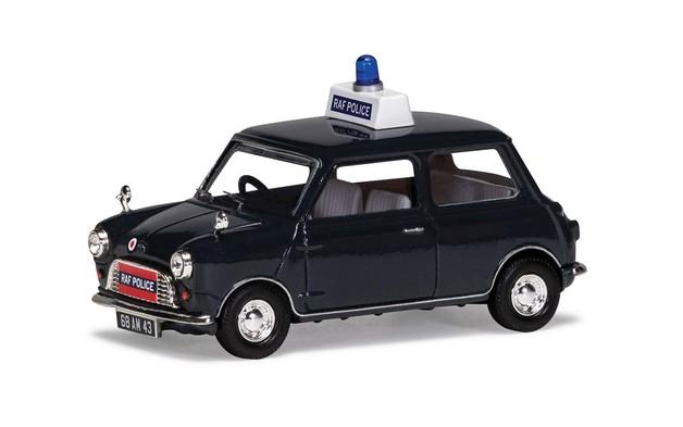 Corgi 1/43 Mini 850: RAF Police Diecast Model