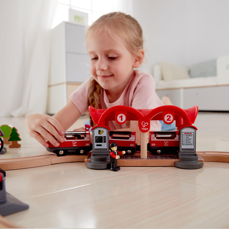 Hape: Busy City Rail Set image