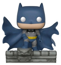 DC Comics: Batman on Gargoyle - Pop! Comic Moment Vinyl image