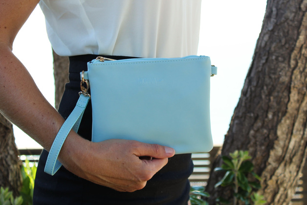 Moana Road: Viaduct Clutch - Blue