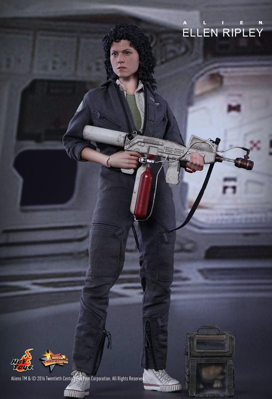"""Alien: Ellen Ripley - 13"""" Figure image"""