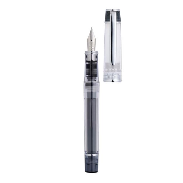 Pilot: Prera Tinted Black Medium Fountain Pen