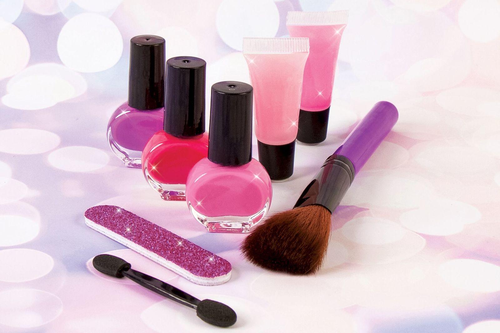 Make It Real - Glam Makeup Set image
