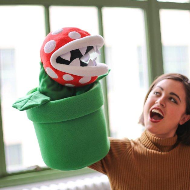 Super Mario Bros: Gigantic Piranha Plant - XL-Plush Puppet
