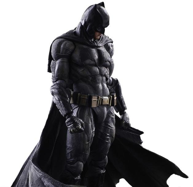 Batman v Superman - Batman Play Arts Kai Figure