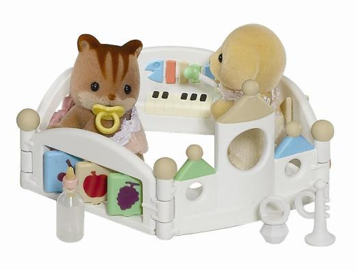 Sylvanian Families: Baby Let's Play Playpen image