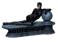 "DC Comics: Catwoman - 13"" Maquette Statue"
