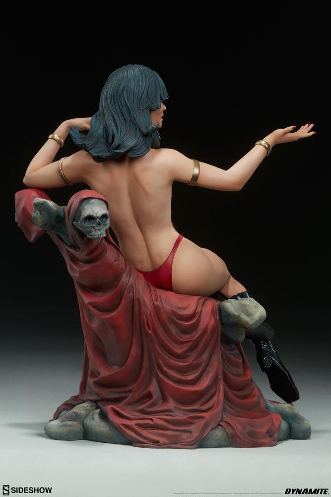 """Vampirella - 10"""" Premium Statue image"""