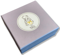 Couture Kingdom: Disney Winnie the Pooh Stud Earrings - Gold
