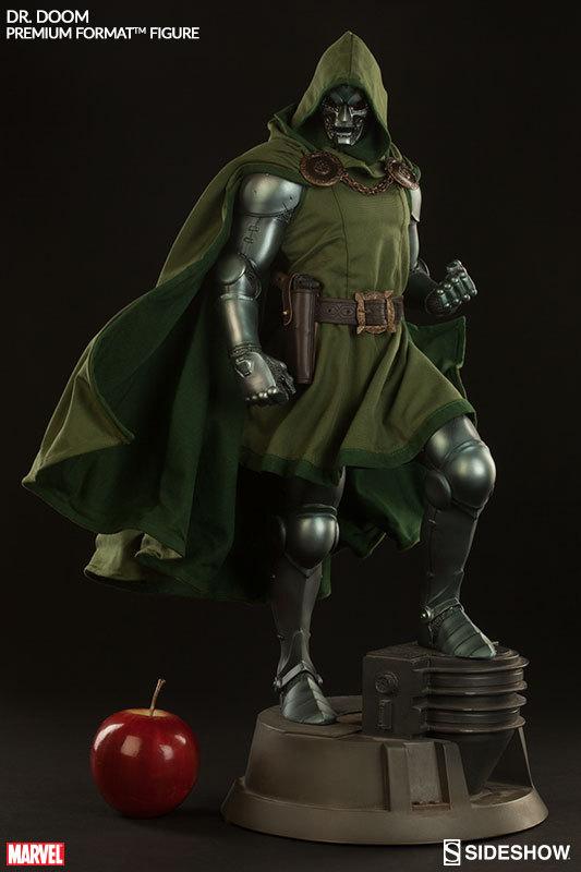 Fantastic 4 - Dr. Doom Premium Format Statue image