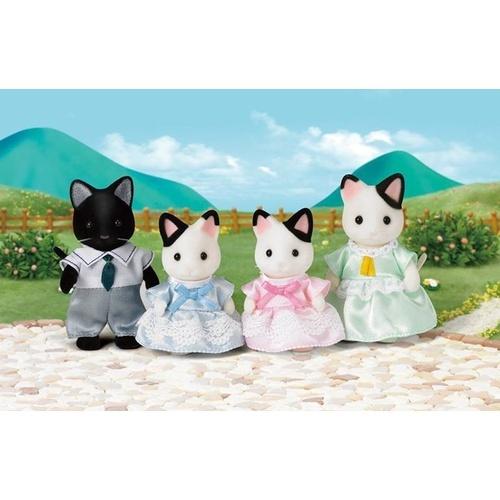Sylvanian Families: Tuxedo Cat Family