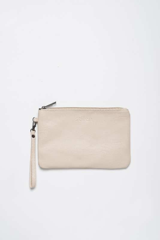 Stilen: Darby taupe clutch