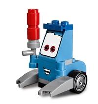 LEGO Juniors - Guido and Luigi's Pit Stop (10732) image