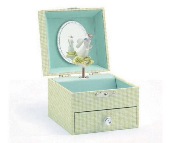 Djeco: Sweet Rabbits Song Music Box