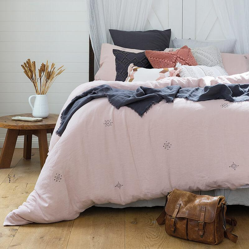 Bambury King Embroidered Quilt Cover Set (Ana) image