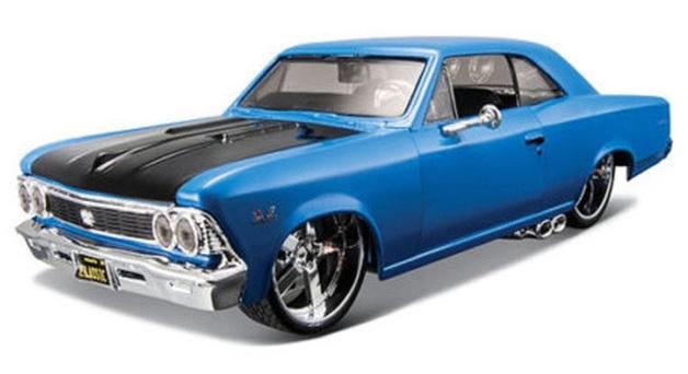 Maisto Design: 1:25 Diecast Vehicle - 1966 Chevrolet Chevelle SS 396