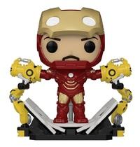 Marvel: Iron Man (Mark 4 with Gantry) - Pop! Deluxe Figure
