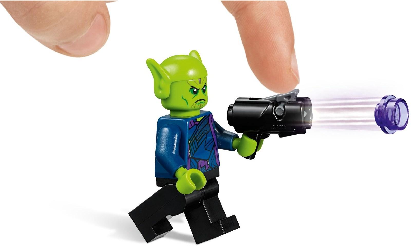 LEGO Super Heroes - Captain Marvel & The Skrull Attack (76127) image