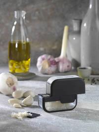 Microplane Garlic Mincer