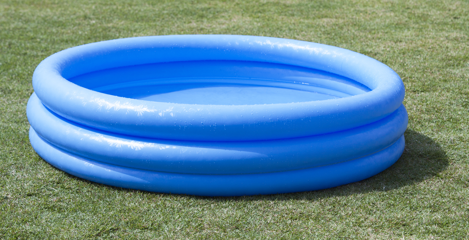Intex 3 ring paddling pool crystal blue toy at for Piscinas inflables grandes