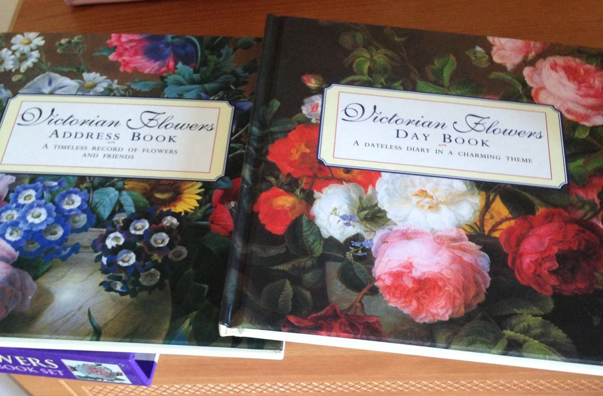Heritage Flowers Address Book & Day Book Box Set image