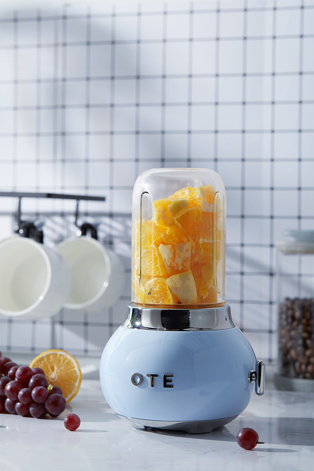 OTE Retro Style Electric Smoothie Blender - Blue image