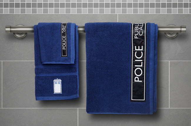 Doctor Who TARDIS Bath Towel Set image