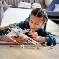 LEGO Star Wars: Luke Skywalker's X-Wing Fighter - (75301)