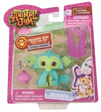 Animal Jam: Fashionable Figure Set (Lucky Monkey)