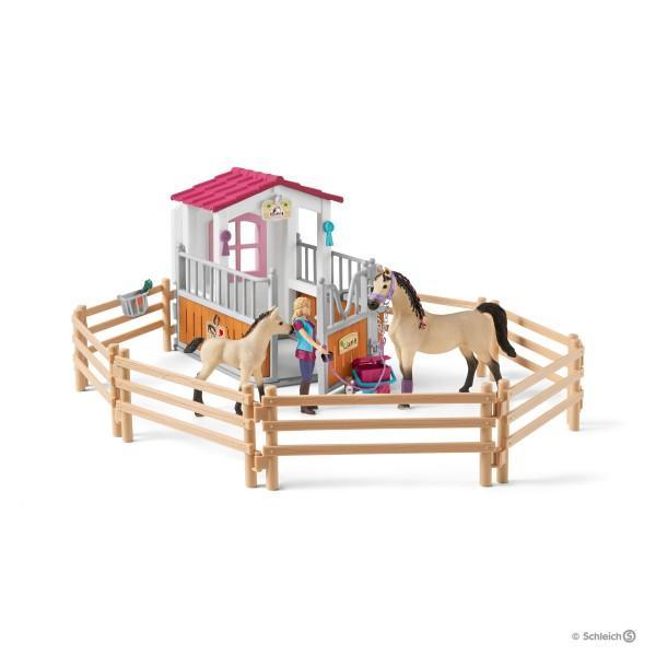 Schleich: Horse Stall With Horses And Groom